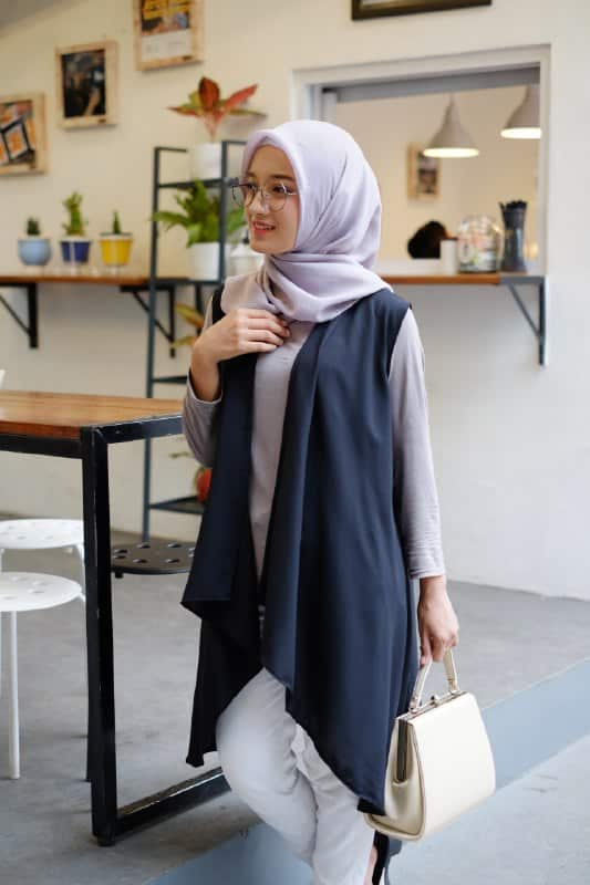Sleeveless Outer