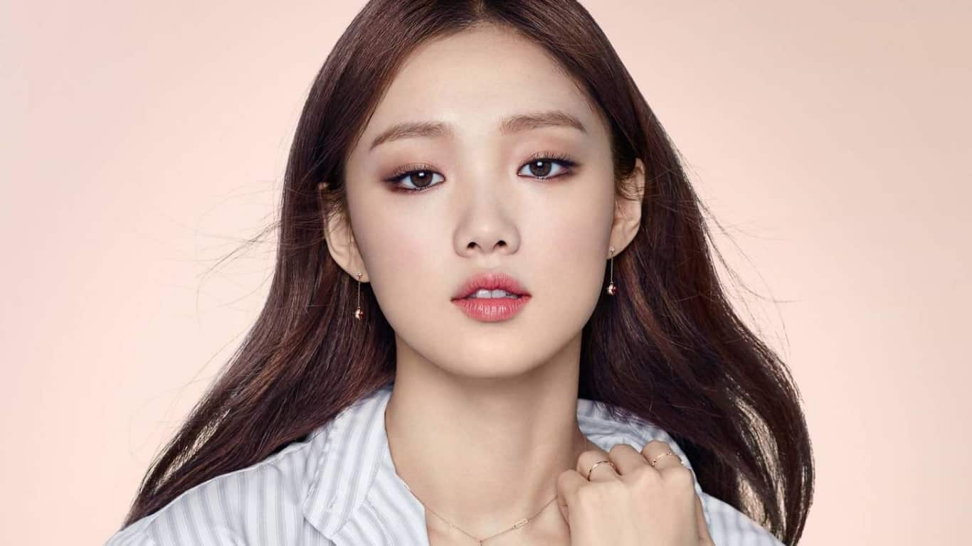 Overcome Trauma, Here Are Tips from Lee Sung Kyung