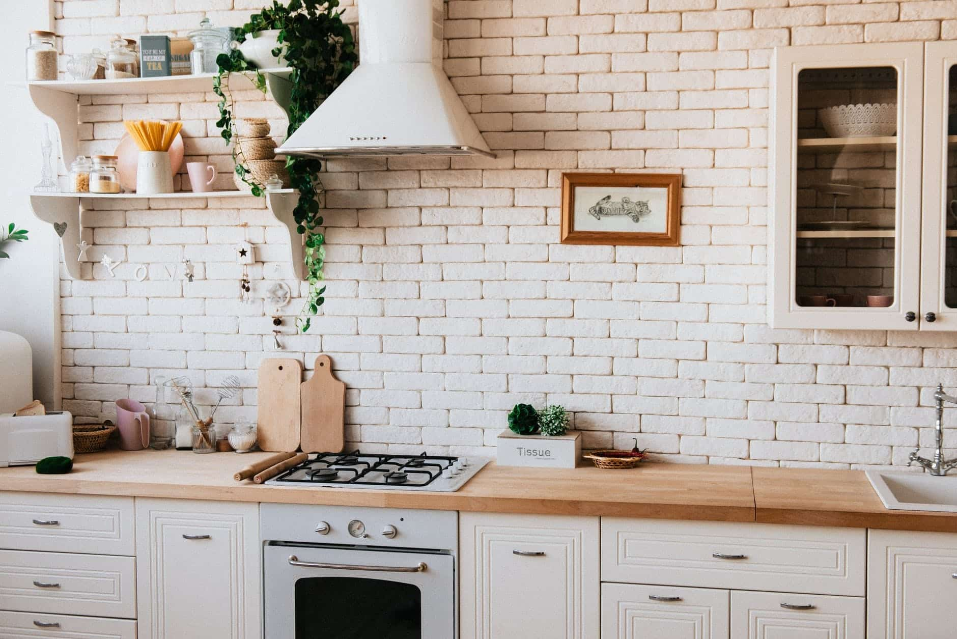 Here's How to Arrange a Homey And Cozy Kitchen