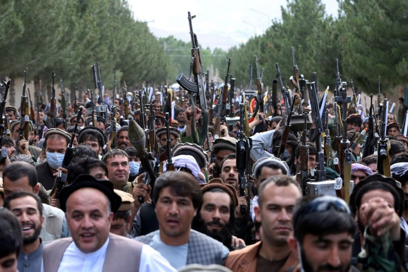 Taliban seize Afghan presidential palace